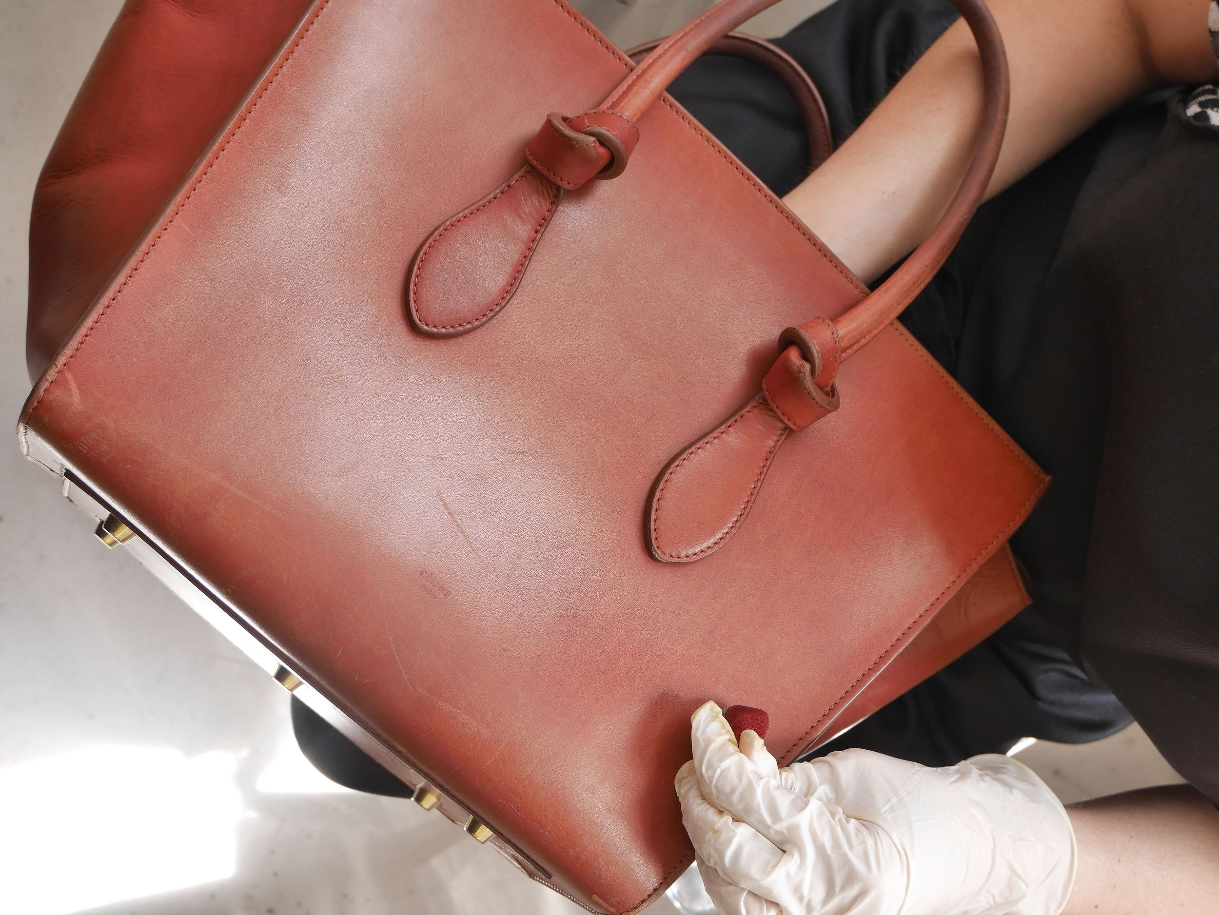 Process: enhancing the leather exterior