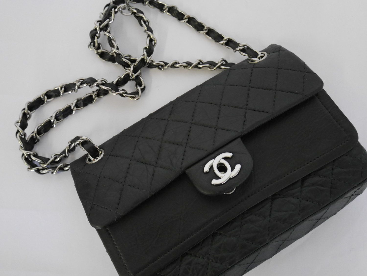 Re-colouring a Chanel